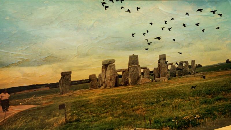 Cold and Gray@Stonehenge